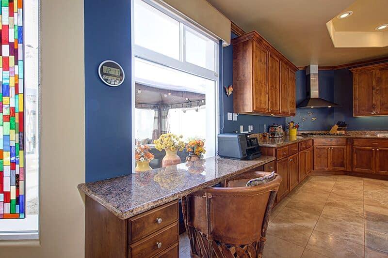 Desk to kitchen